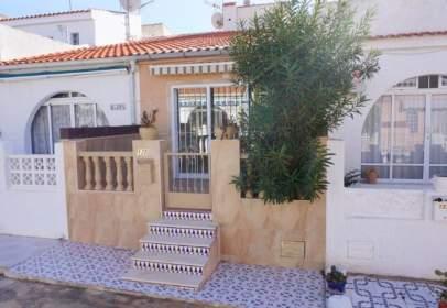 Casa en calle Zarauz, cerca de Calle Usagre