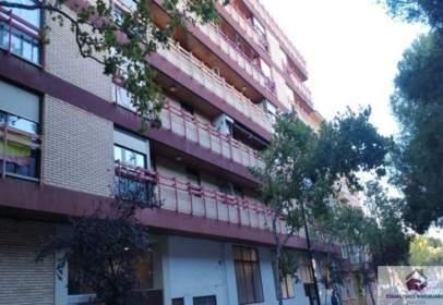 Flat in calle de Pedro Cerbuna, 41
