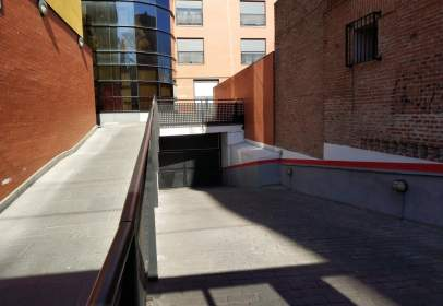 Garatge a San Isidro, Estación
