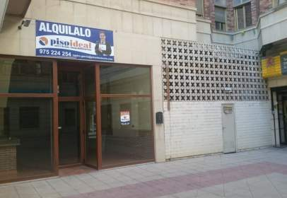 Local comercial en calle Venerable Carabantes, nº 1