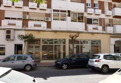 Local comercial en calle CL Portugal