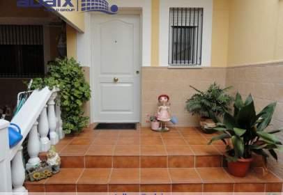 Casa adosada en calle Argamasilla de Calatrava calle Manzana