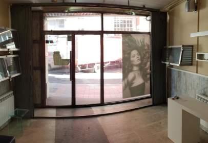 Local comercial a calle Colón, nº 18