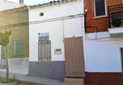 House in calle de la Virgen, near Calle de San Isidro