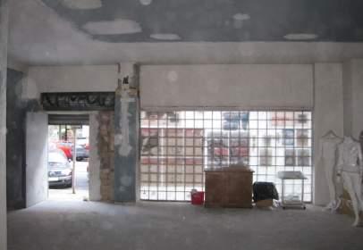 Local comercial en calle Fernandez de Leceta
