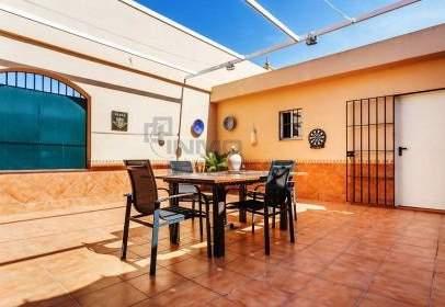 Terraced house in calle del Cura Diamantino