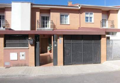 Terraced house in Poblete