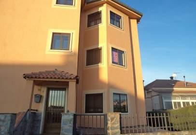 Flat in calle Segovia Tres Casas-S Cris, nº 65