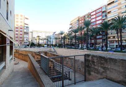 Land in Zona Plaza del Reino