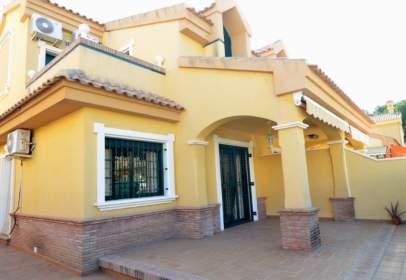 Casa pareada en calle Av. Miguel de Cervantes 9, Res. Villas Navia 13 De, nº 9
