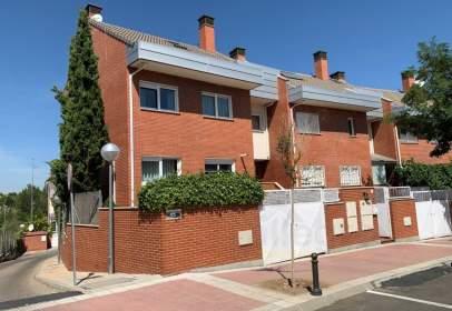 Casa aparellada a calle calle Julio Caro Baroja, nº 5