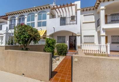Casa adosada en calle calle Almoravides, Res. Ciñuelica R-7, Casa 64, nº {Property_Private_Address_Number}