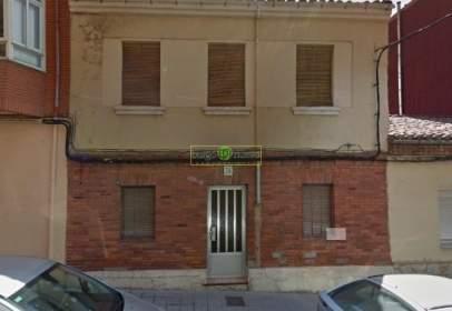 Casa en calle de la Dama de Arintero