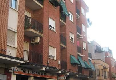 Piso en calle San Vicente Esq. callejón de La Albahaca
