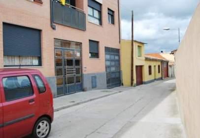 Flat in Avenida Santiuste, nº 28