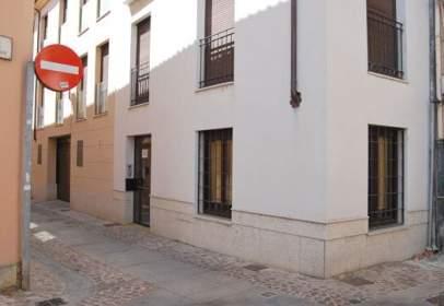 Piso en calle de Las Doncellas nº12-14