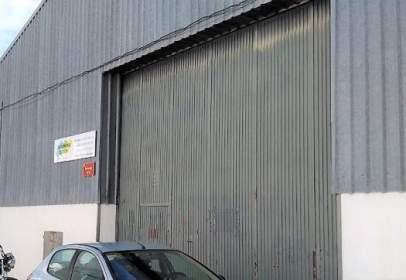 Nau industrial a calle Iznatoraf, nº 9