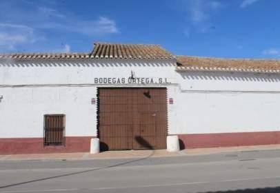 Industrial building in calle de la Puerta de Cuenca