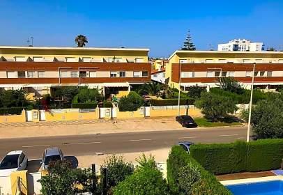 Casa aparellada a Avenida Mediterráneo