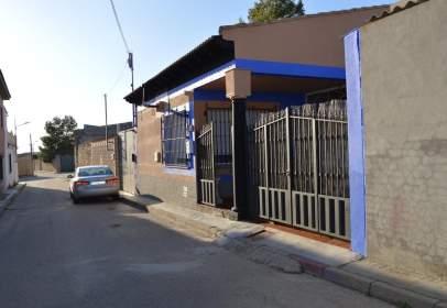 Finca rústica a calle Valeriano Martínez