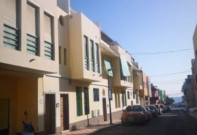 Pis a calle Acorán