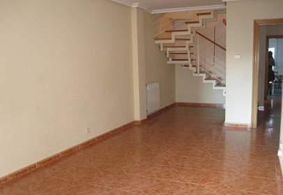 Duplex in Peñaranda de Bracamonte
