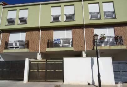 Casa adosada en Carrer de Alcalaten, nº 44