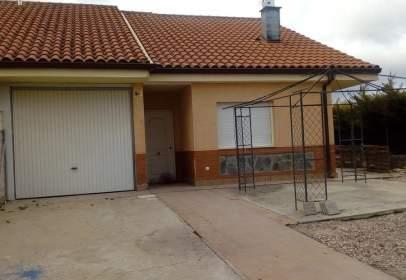 Casa aparellada a calle Ronda Verde, nº 18