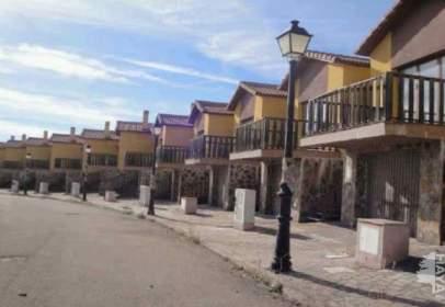 Casa adossada a calle Molino