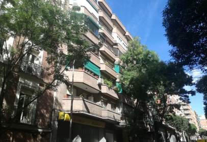 Pis a calle Narciso Serra