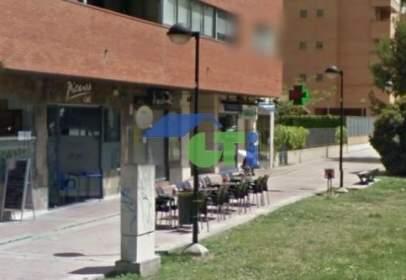 Local comercial a calle Villa de Plenas