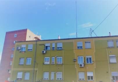 Pis a calle Sta Mª. de La Cabeza, nº 101