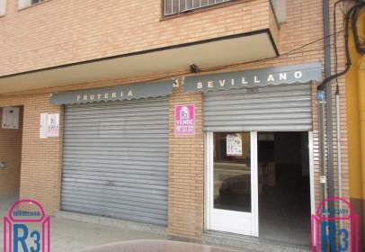 Local comercial en Ctra. Benavente