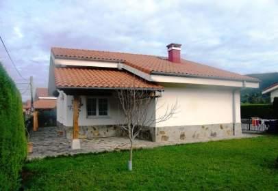 Casa en calle Barrio Novaliegas, nº 1A