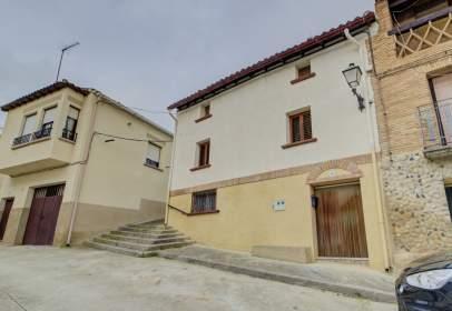 Casa en calle del Portal del Monte, 18