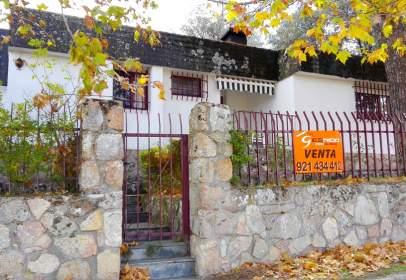 Casa pareada en Los Ángeles de San Rafael