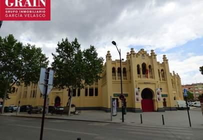 Pis a Plaza de Toros