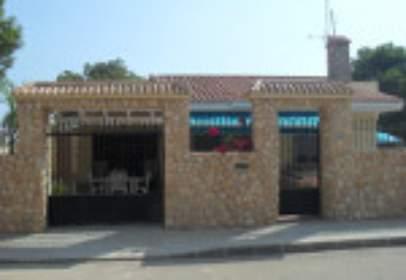 Chalet en calle Pantano de La Toba