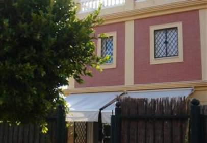 Casa pareada en calle Osa Mayor