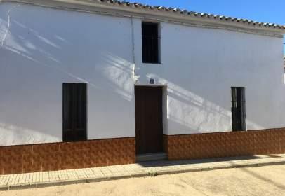 Casa adosada en calle Altozano, nº 55