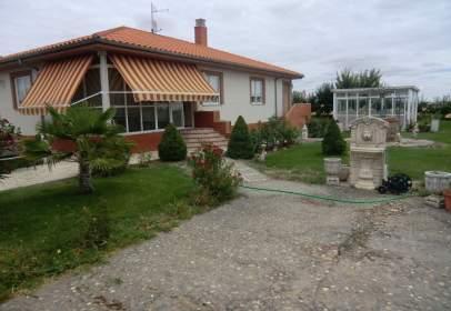 Single-family house in calle Crespo Diez, nº 11