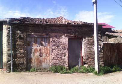 Rustic house in Avenida Las Viñas, nº 25
