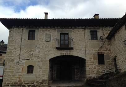 Casa rústica en Plaza Subijana, nº 16