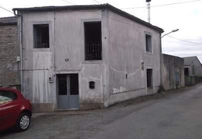 Casa rústica en Avenida de Bolaño Rodinso y Frontoy, nº 26