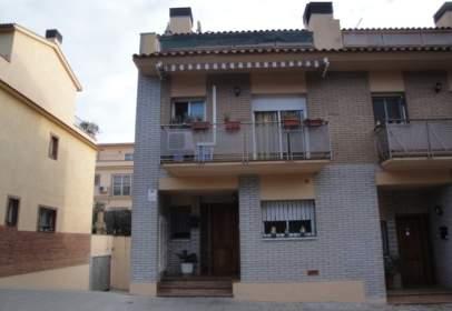 Casa adossada a Carrer de Girona, 93