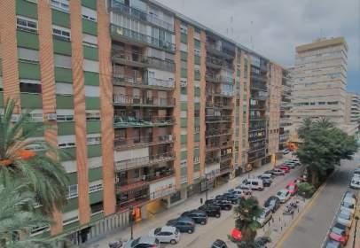 Piso en calle de Álvaro de Bazán, 23