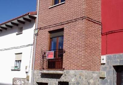 Casa adossada a calle Mayor, nº 27