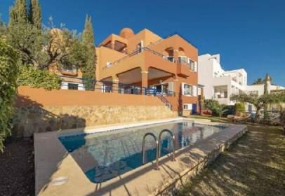 Single-family house in calle de los Altos del Golf, 5