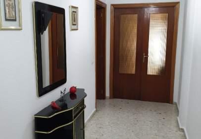 Pis a calle Ramon de Calatrava, nº 2