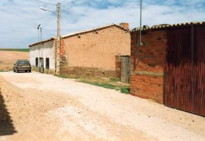 Casa rústica a calle Almendra, nº 10